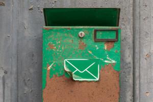 Rusty-Mailbox-On-Wall-042016